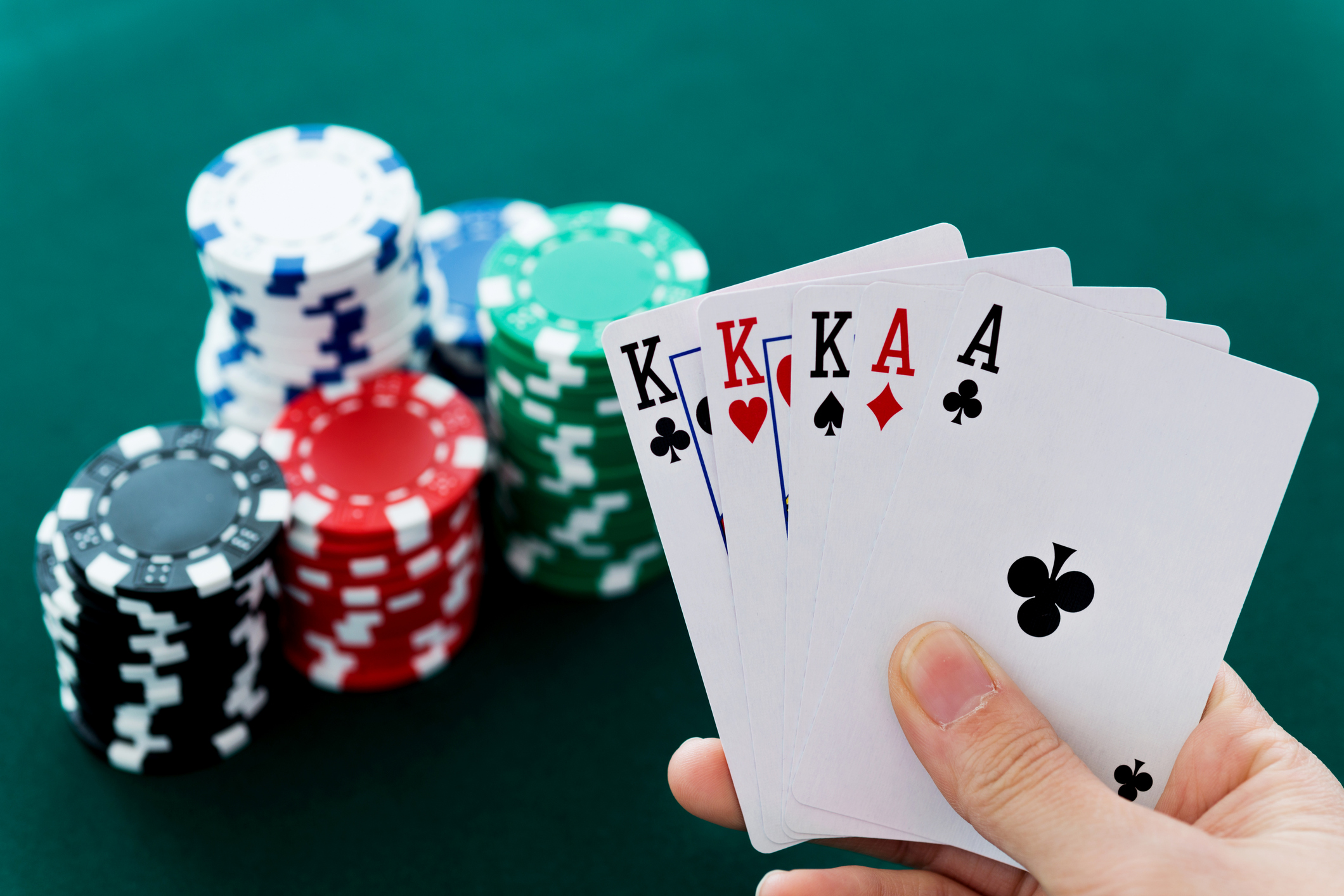 Online Poker Gambling Games Become So Famous Today